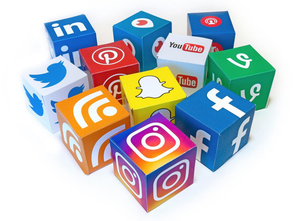 شبکههای اجتماعی و شادی
