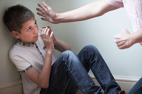 راههایی برای درمان کودکان آسیب دیده جسمی